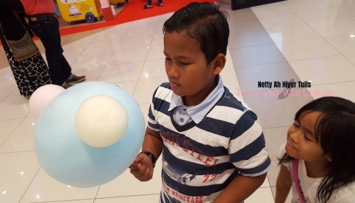 Panduan Bawa Anak Keluar Ke Mall, Ini Cara Selamat